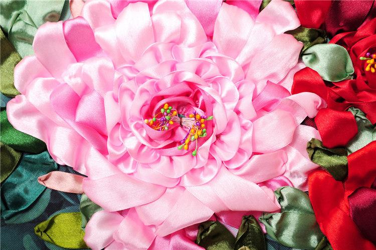 大牡丹花瓣丝带花的制作图解