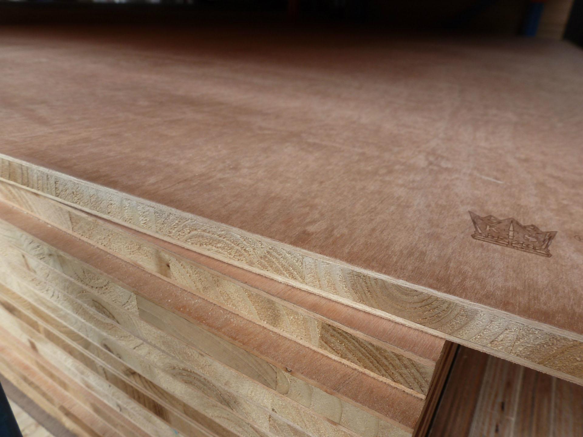 厂价优质皇冠国标细木工板 木板材 大芯板 15mm-18mm