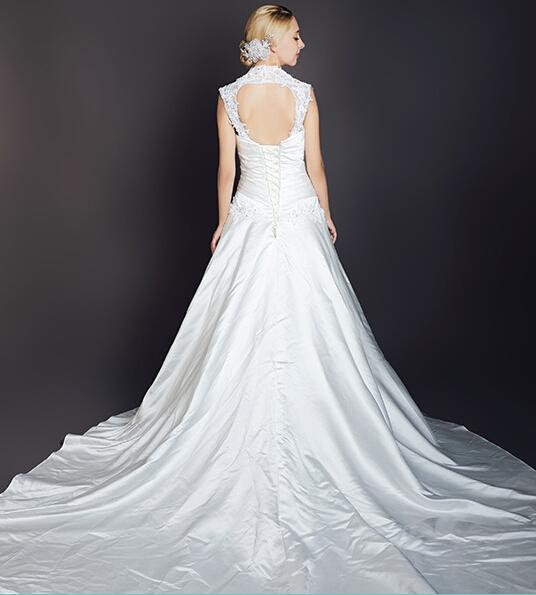 诺维斯 2014冬季新款V领双肩带刺绣蕾丝蓬蓬裙婚纱欧美流行婚纱