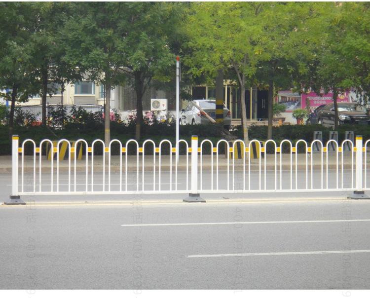 正蕾品牌 京式护栏网 人行道隔离网图片