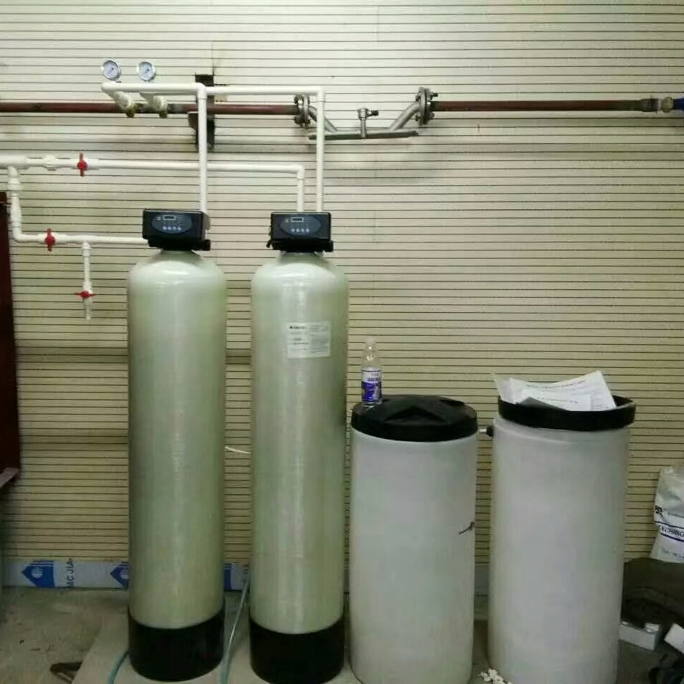 周口厂家直销2吨全自动软水器-锅炉软化水设备现货直销